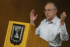 Former Israeli Defense Minister Moshe Arens.  /Miriam Alster/Flash90