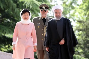 South Korean President Park Geun-Hye with Iranian President Hassan Rouhani at the Saadabad Palace in Tehran on May 2. / Ebrahim Noroozi / AP