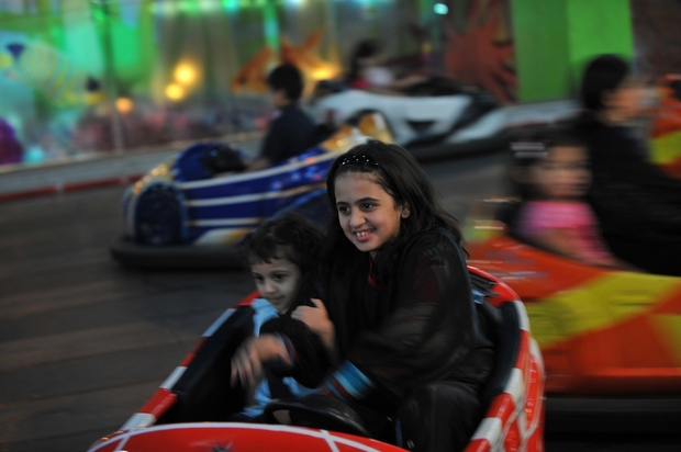 Saudi prince in talks with Six Flags theme parsk as part of 'Vision 2030'