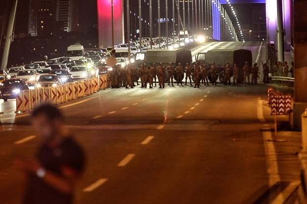 Flashback: International media silent as Turkey teeters on the brink of civil war