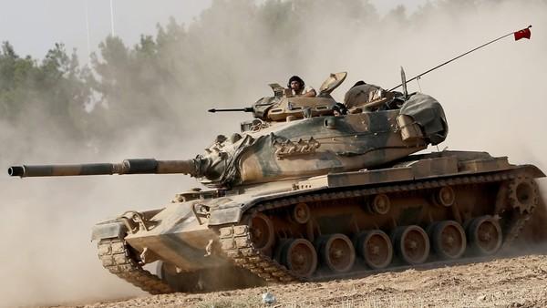 Turkey invades Syria, targets ISIL-held border town ahead of Kurdish militia
