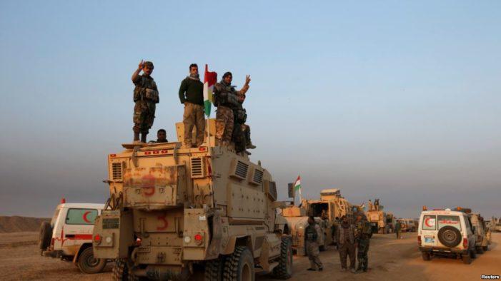 Iraqi Kurdish forces advance on ISIL-held town near Mosul