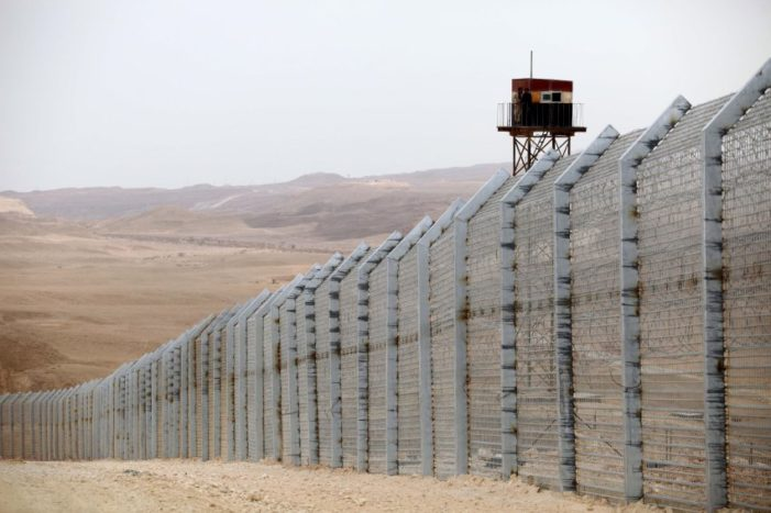Smart fence is best option for U.S.-Mexico border barrier, Israeli security firm says