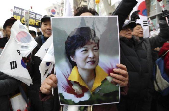 South Korean conservatives fight back, decry media bias