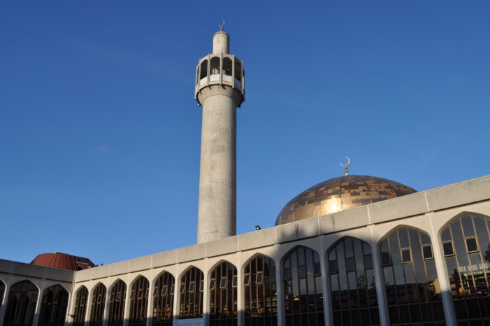 'Londonistan': 423 new mosques, 500 closed churches