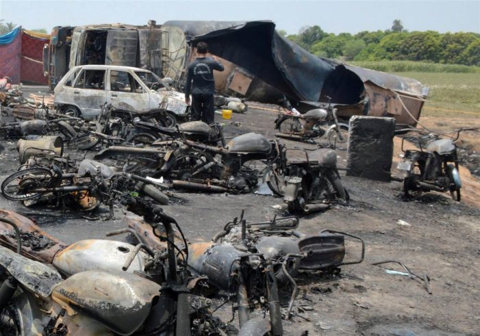 Explosion kills 153 Pakistanis gathering fuel from overturned tanker truck