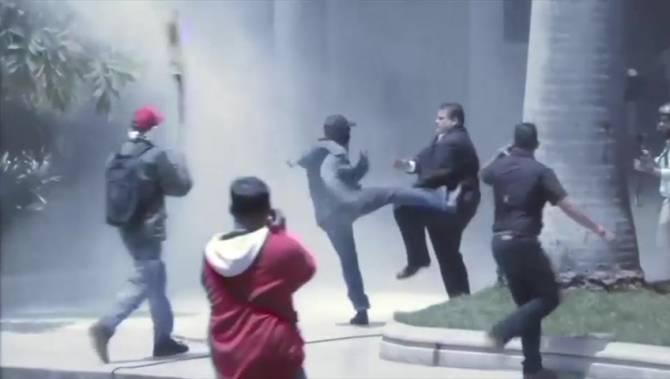 Maduro supporters storm Venezuelan congress, attack opposition lawmakers