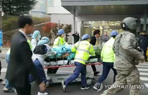 Unarmed N. Korean soldier hit by 5 of 40 shots fired into S. Korean territory at DMZ