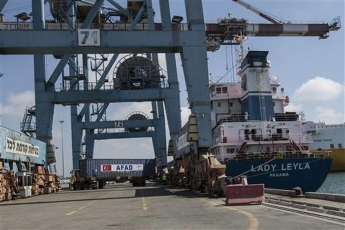 Turkish ship bearing aid for Palestinians arrives in Ashdod Port, Israel