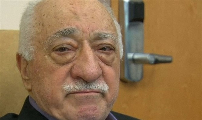 Gulen op-ed refutes accusations, states Erdogan's Turkey on 'dangerous' path to 'one-man rule'