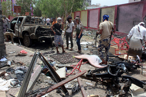 ISIL moves in on Yemen war with massive suicide bomb attack