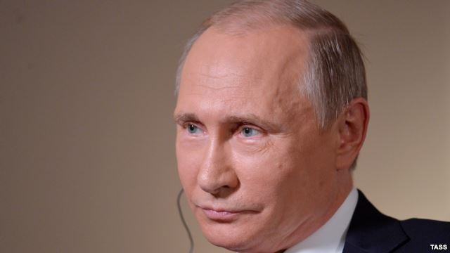 Putin says Iran no problem, Russia and OPEC should freeze oil output