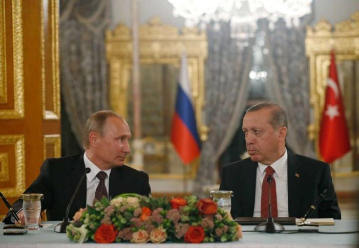 Russia, Turkey move toward reconciliation, sign pipeline deal