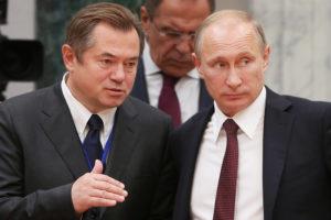 Sergei Glazyev and Vladimir Putin. /TASS