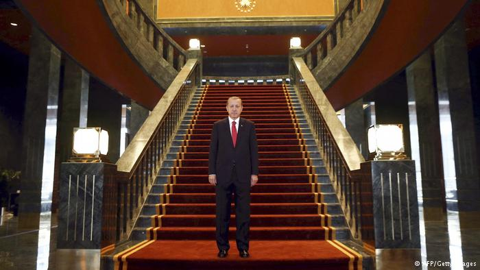Turkey's parliament moves on reforms granting Erdogan more power