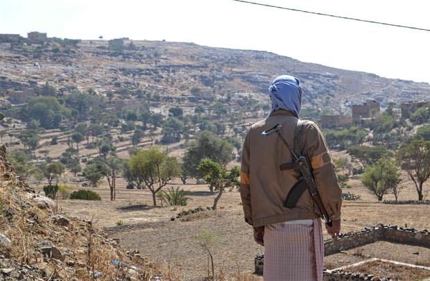 Yemeni sniper makes $8 a day 'shooting Houthis with my own Kalashnikov'