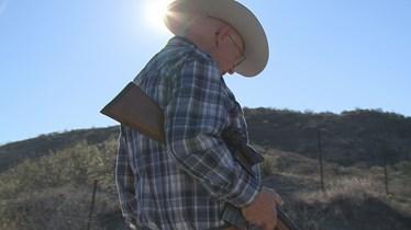 Drug cartels 'control' Arizona-Mexico border, rancher says