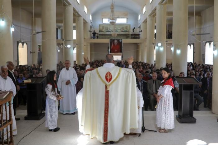Iraqi Christians celebrate Easter in town near Mosul for first time since 2014