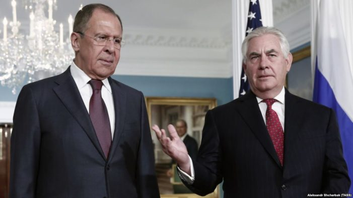 Lavrov meets with Tillerson ahead of White House meeting with Trump