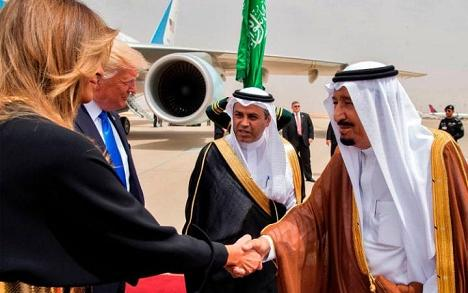 Art of the Saudi deal: Body language signals, political theater and a delicate dance with the Wahhabi clergy