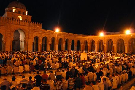 Egypt bans loudspeakers at mosques during Taraweeh prayers