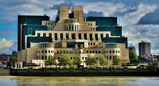 'Time to rip off the Band-Aid': Reports point to FBI spy in Trump campaign, MI5 involvement