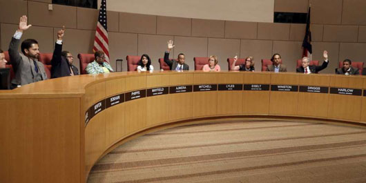 Charlotte's Democrat-controlled city council narrowly OKs hosting GOP convention