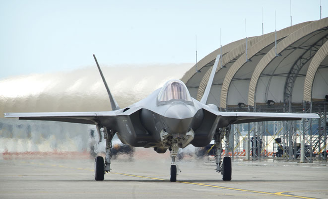 Senate, critics of Turkey's Erdogan press U.S. to stop sale of 100 F-35s