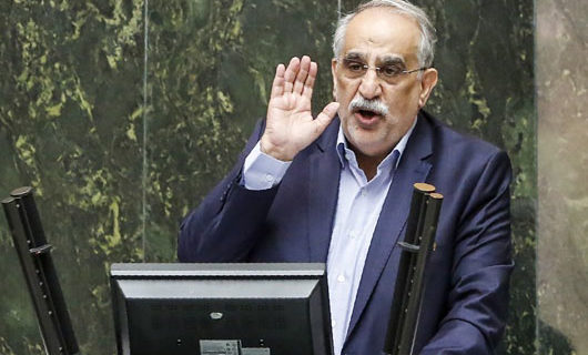 Iran crisis: Parliament answers protests by firing economics minister