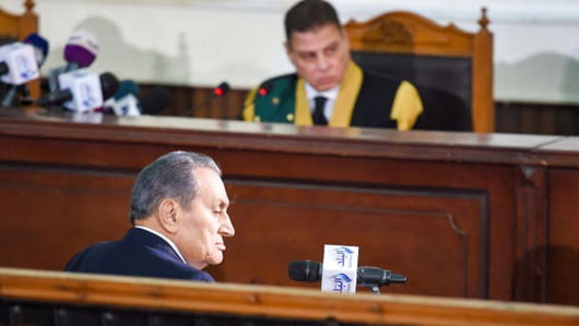 2 ex-presidents in same Egyptian courtroom as Mubarak testifies against Morsi