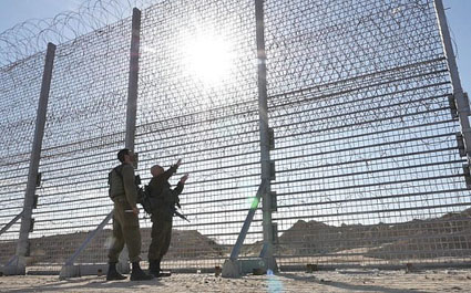 Israel builds 20-foot  high-tech, anti-tunnel barrier on Gaza border