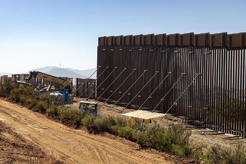 Report: White House has secured funds for 1,000 miles of border wall