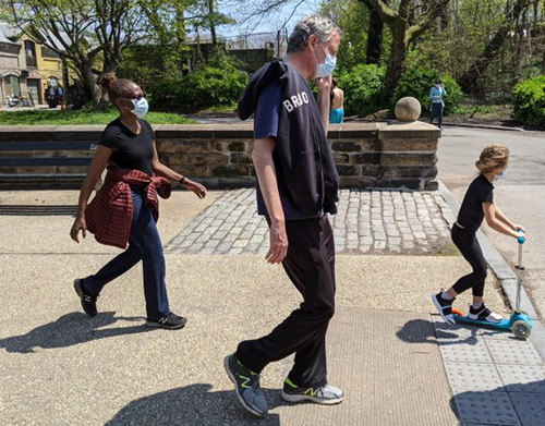New York mayor spotted taking 'non-essential' stroll — 11 miles from home