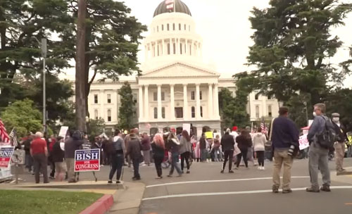 California cracks down on protests against lockdown, vaccines; police revolting nationwide