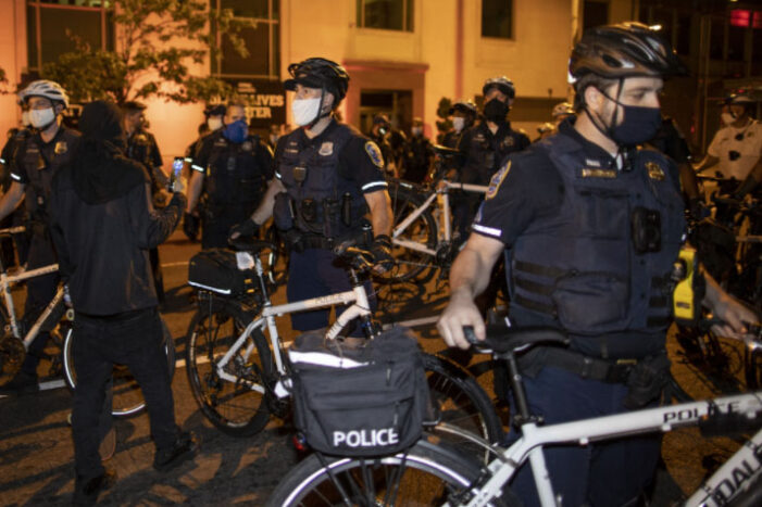 Poll: Most favor 'Blue Lives Matter', think there is a war on police