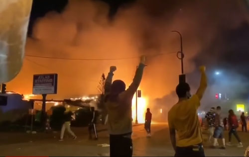 Poll: Voters in riot zones are backing Trump, 2-1