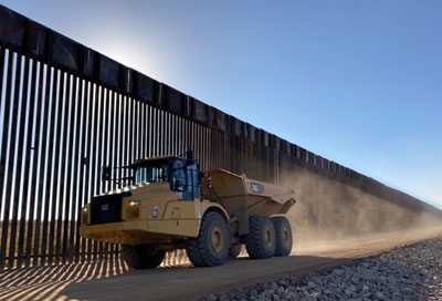 Border wall contractors ordered to stop construction