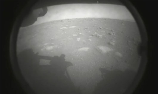 1-ton, SUV-size Perseverance rover touches down on Mars