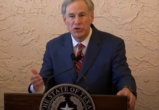 'Eyes of Texas' are on UT as governor ends mask mandates, opens state '100 percent'