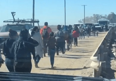 'Crisis': Video shows stream of migrants walking into Arizona from Mexico