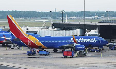 Airline pilots revolt, day 2; Other airlines next? Sen. Cruz blasts Biden mandate